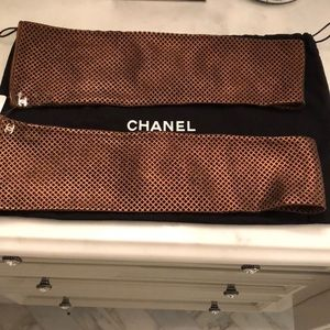 AUTHENTIC NWT Chanel fingerless gloves